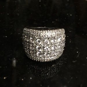 Jewelry - 💲SOLD - CRYSTAL STERLING SILVER RING!